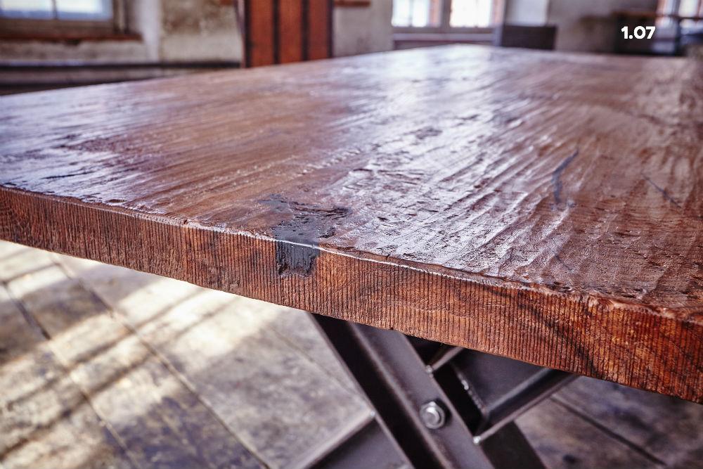 Tisch 1.07