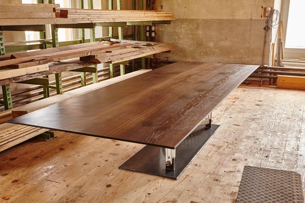 Tisch 2.17